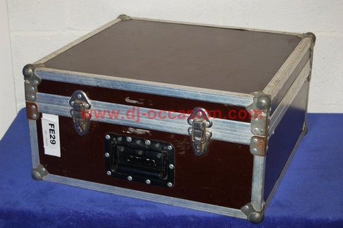 FLIGHT CASE POUR TABLE DE MIXAGE