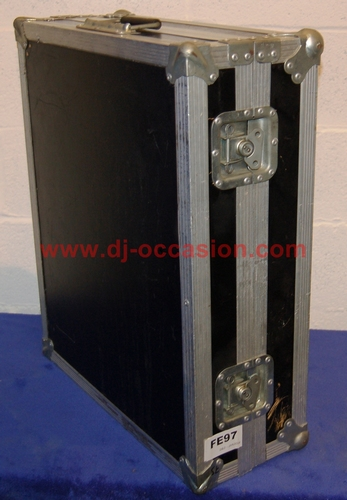 FLIGHT CASE TYPE MALLE / COFFRE